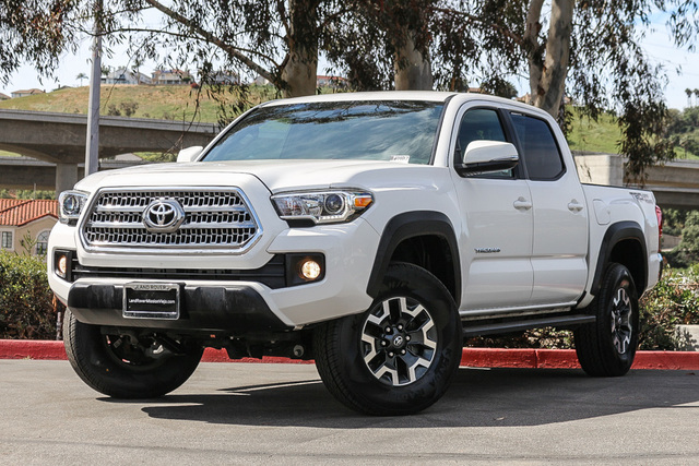 Pre-Owned 2016 Toyota Tacoma 2WD Double Cab V6 AT TRD Off Road